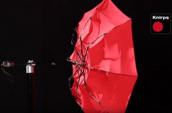 Зонт Knirps T.200 проверяют при скорости ветра 150км/час в 2019 году
